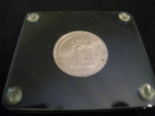 http://www.koronaportal.hu/csomagolasok/www_koronaportal_hu_ezust_5_korona_1907_capital_holder_franklin_mint_2_nagy.jpg