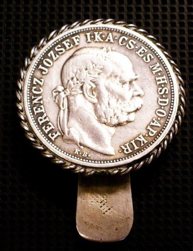 http://www.koronaportal.hu/targyak/www_koronaportal_hu_antik_ezust_ovre-valo-kulcstarto_1908-as_5-koronas_ermevel1a_nagy.jpg